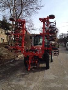 Cultivator Frontaufbau hydraulisch. 6 reihiges - BISO Schrattenecker - Foto 5