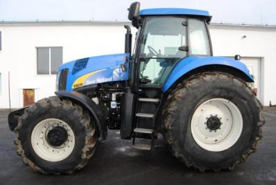 Tractor New Holland T8030 - BISO Schrattenecker - Foto 1